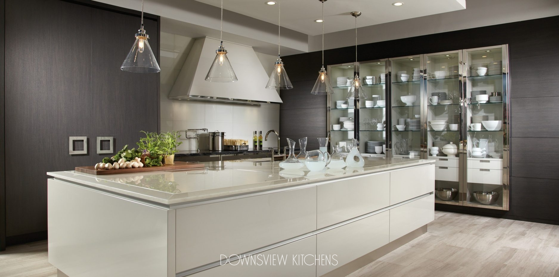 Bon MODERN REFLECTIONS   Downsview Kitchens And Fine Custom Cabinetry |  Manufacturers Of Custom Kitchen Cabinets